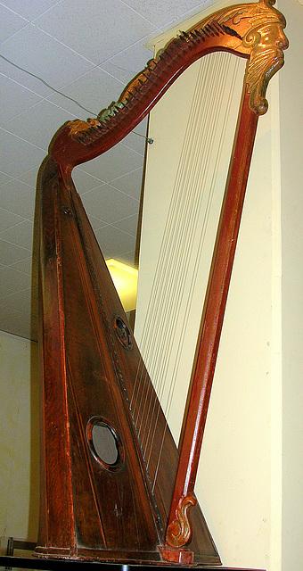 la harpe majestueuse