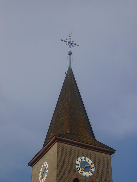 Kirchturm der Segenskirche