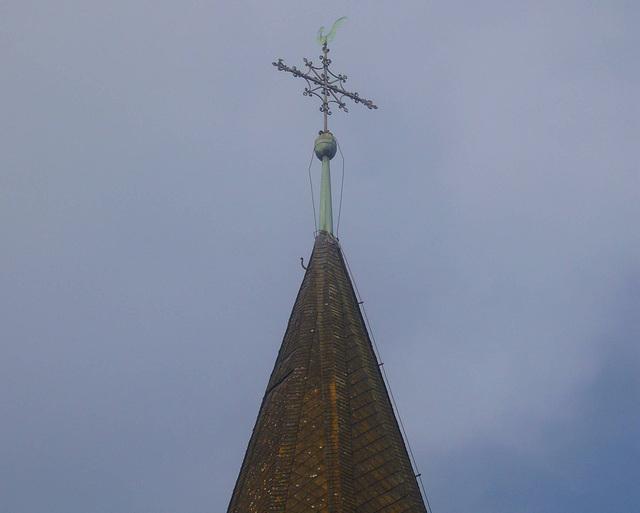 Wetterhahn auf der Kirchturmspitze