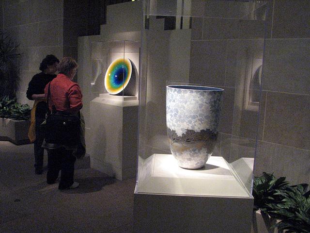 04.SacklerGallery.SmithsonianQuad.SW.WDC.6Apr09