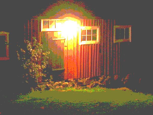 Discrétion fermière - Farm discretion. Båstad.  Suède /  Sweden..   23-10-2008 -  Postérisée avec couleurs ravivées