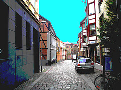 Vue apaisante sur ruelle étroite / Varubelaning narrow street eyesight - Helsinborg / Suède - Sweden.  22 octobre 2008  - Postérisée