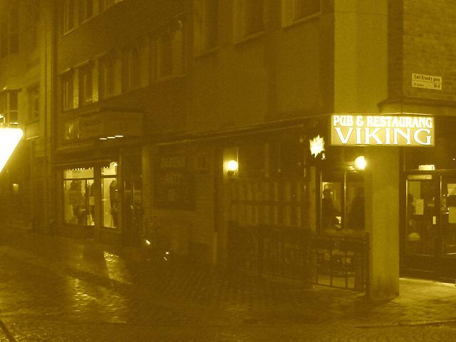 Pub & restaurang Viking  /   Helsingborg - Suède / Sweden.  22 octobre 2008 - Sepia
