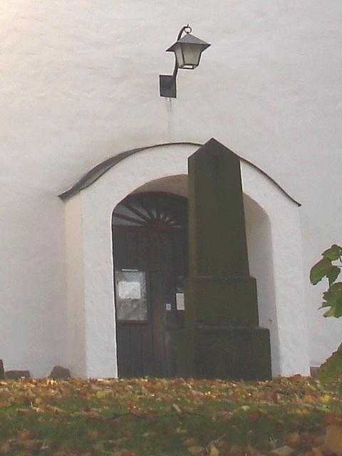 Laholms kirka ( Church & cemetery) - Église et cimetière /   Laholm -  Sweden / Suède.  25 octobre 2008