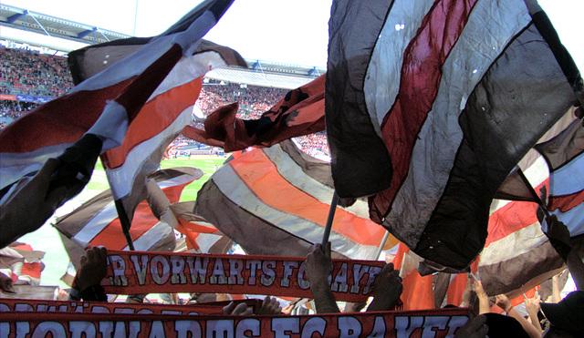 Flaggen und Fahnen