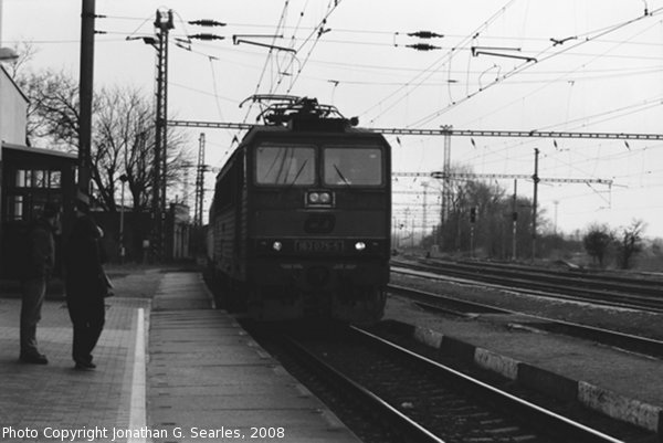 CD #163075-5 Arriving at Nadrazi Vsetaty, Vsetaty, Bohemia (CZ), 2008