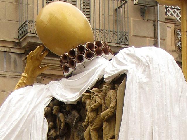 IMG 2151 Figueres Dali-Objekt2