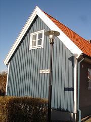 Carrefour Agränd /  Agränd street  lamp façade.  Laholm / Suède - Sweden.    25-10-2008