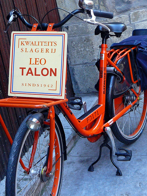 Kwaliteits Slagerij  Leo Talon  Sinds 1942 - Delft en Hollande  -  Gift / cadeau .  AGATHA