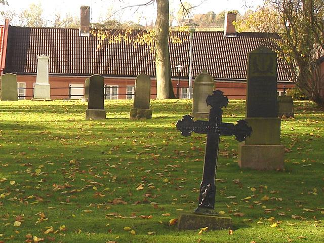 Cimetière de Laholm en Suède /  Laholm's cemetery in Sweden.  25 octobre 2008