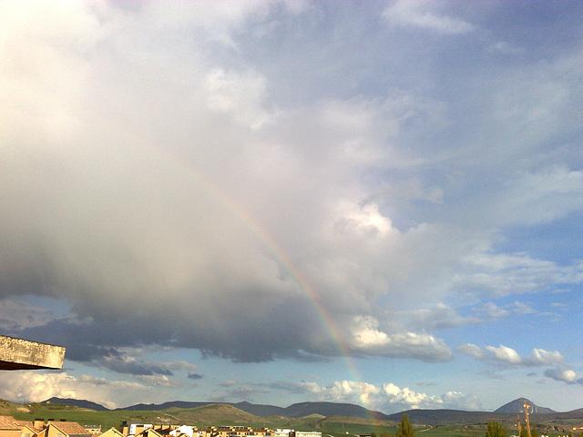 Arco iris en Mutilva Alta.