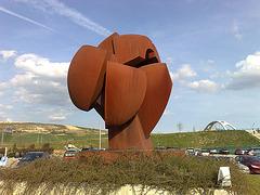 Escultura en Mutilva Alta (Navarra).