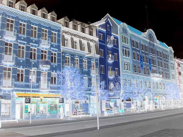 Façade typique de l'architecture Viking /  Allfrûkt Swedish architectural façade - Helsingborg / Sweden- Suède.  22 octobre 2008-  Negative effect artwork /  Effet de négatif