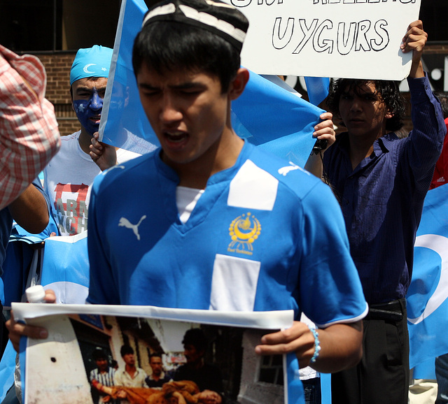 10.UighursMarch.DupontCircle.WDC.7July2009