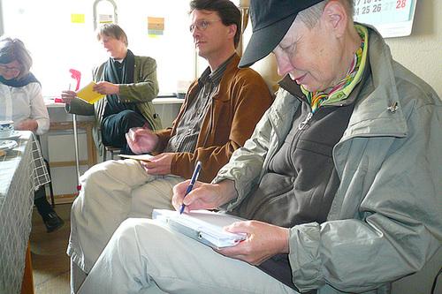 Mini Symposium Social Software Künste im Kunstraum multi.trudi mit Kurd Alsleben und Antje Eske. Mai 2009