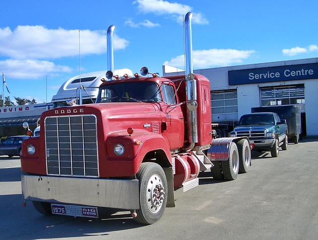 1975 Dodge Big Horn truck