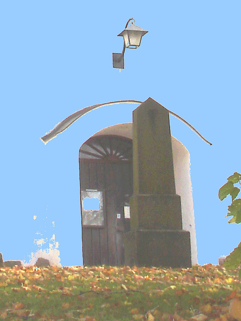 Église et cimetière de Laholm /  Laholm's church & cemetery.  Sweden / Suède.  25 octobre 2008 - Bleu photofiltré