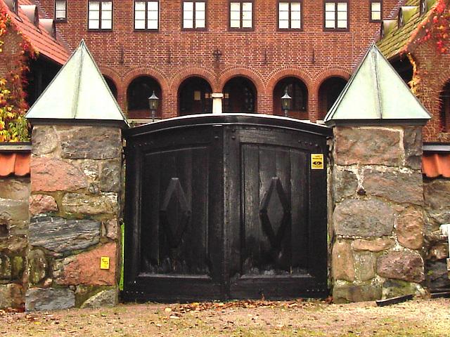 Noblesse architecturale /  Castle style building- - Båstad.  Suède / Sweden - 21-10-2008