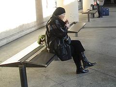 Beret danish mature smoker Lady in chunky flat heeled sexy boots -  La Dame au béret et bottes à talons plats et son péché nicotinien