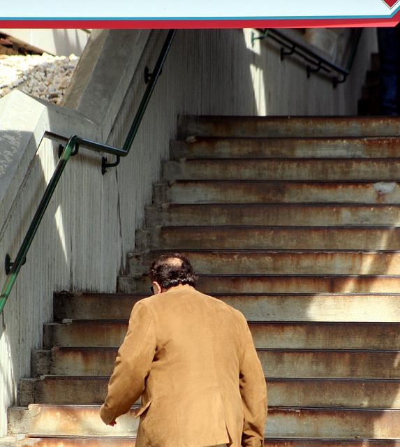 27.Commuters.VRE.L'EnfantStation.7th.SW.WDC.25jun08