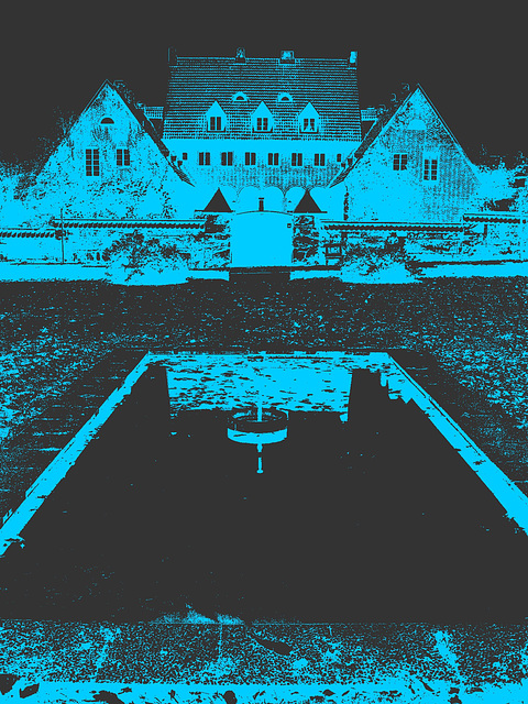 Noblesse architecturale /  Castle style building- - Båstad.  Suède / Sweden - 21-10-2008 - Bichromie bleu-noir /  Black & blue artwork