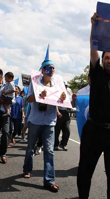 11.UighursMarch.ConnecticutAvenue.WDC.7July2009
