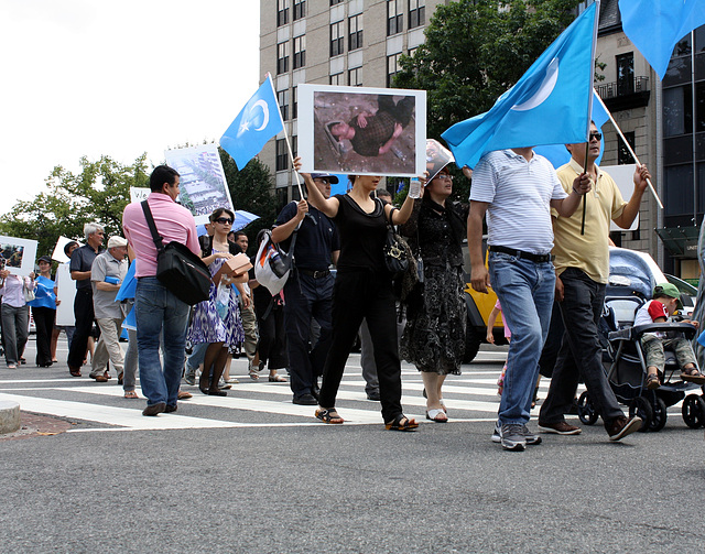 17.UighursMarch.ConnecticutAvenue.WDC.7July2009