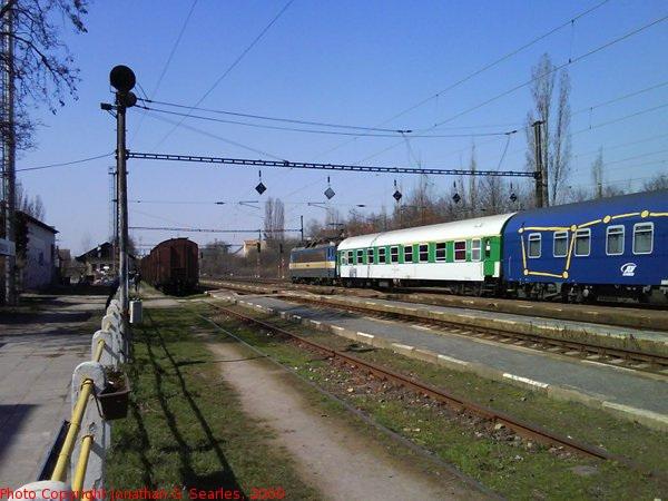 Express Passing Nadrazi Hostivar, Picture 2, Prague, CZ, 2009