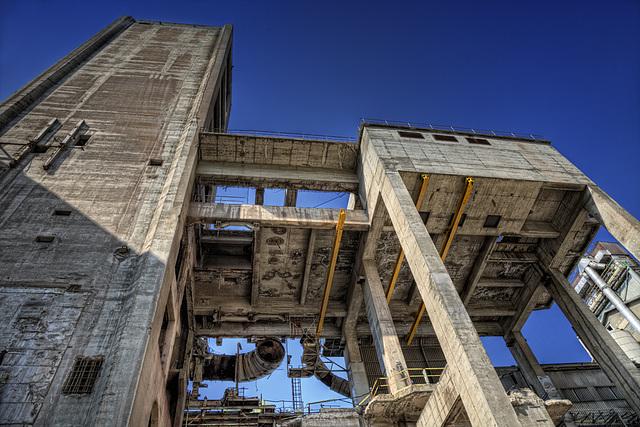 under giants ruins.......