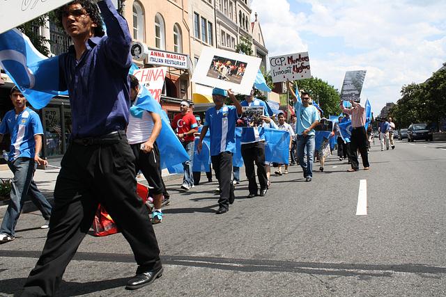 34.UighursMarch.ConnecticutAvenue.WDC.7July2009