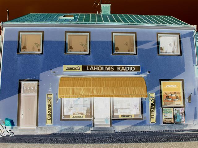 Laholms radio /   Laholm - Suède /  Sweden.   25 octobre 2008 -  Effet de négatif
