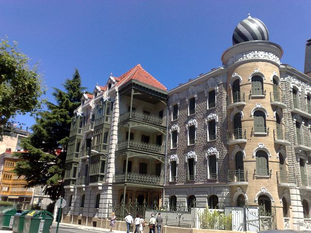 Pamplona: edificio en C/ Gral. Chinchilla.