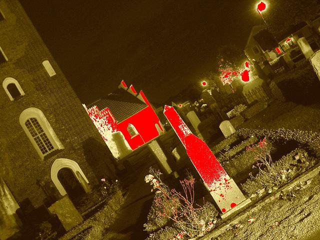Église & cimetière de soir - Båstad -  Suède /  Sweden.   Octobre 2008 -  Tremblement de terre mortuaire /  Funeral eartquake - 23-10-2008. Sepia sanguinolent