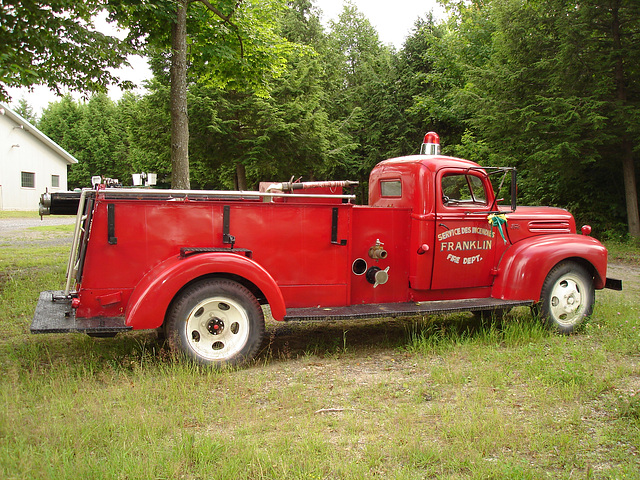 ipernity ancien camion de pompiers de franklin franklin former red fire truck by l opold. Black Bedroom Furniture Sets. Home Design Ideas