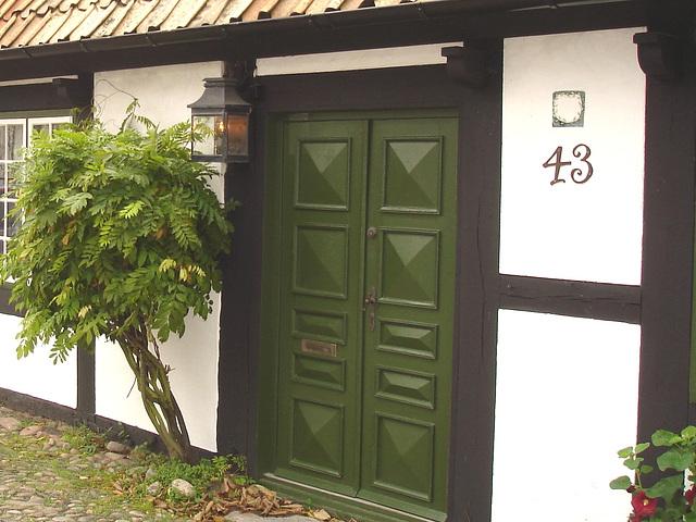 House number 43  - Maison numéro 43.  Båstad  /  Suède - Sweden.  21-10-2008