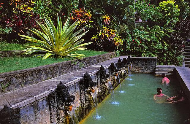 Thermal bath at Kintamani