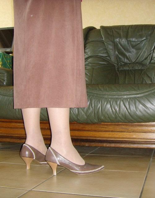 M@rie en talons hauts - High heels /  Pour Léopold .  Un beau cadeau !