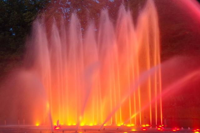 Wasserlichtspiele103