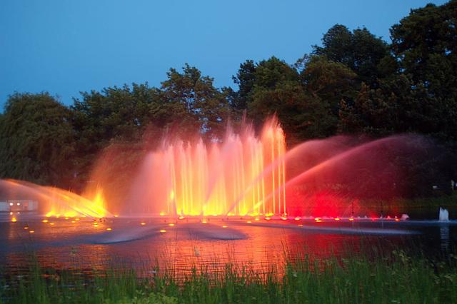 Wasserlichtspiele104