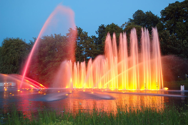 Wasserlichtspiele105
