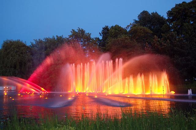 Wasserlichtspiele106