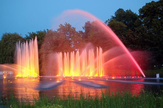 Wasserlichtspiele107