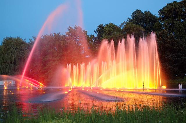 Wasserlichtspiele108