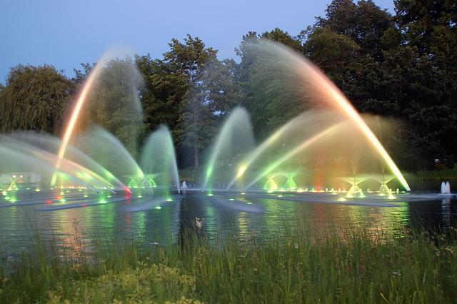Wasserlichtspiele109