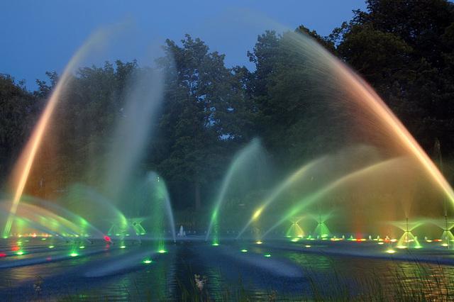 Wasserlichtspiele110