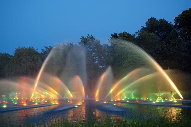 Wasserlichtspiele112