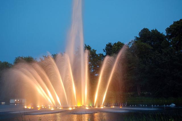 Wasserlichtspiele114