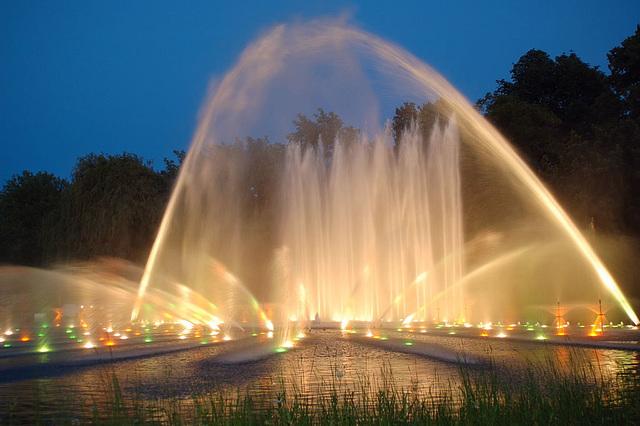 Wasserlichtspiele116