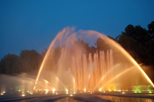 Wasserlichtspiele121
