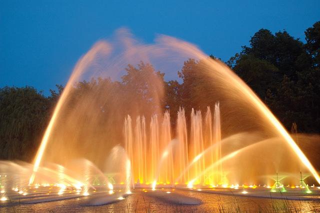 Wasserlichtspiele124